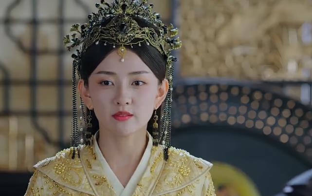 双世宠妃3:女皇命悬一线利用曲小檀,墨连城护妻拼尽全力