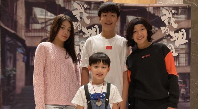 《的姐姐》上映7天票房破5亿,张子枫弟弟爆火,家世背景不简单