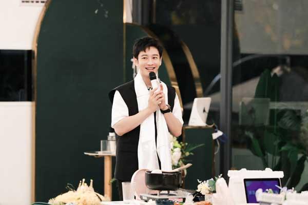 《中餐厅5》暖心收官 黄晓明发长文告别引共鸣
